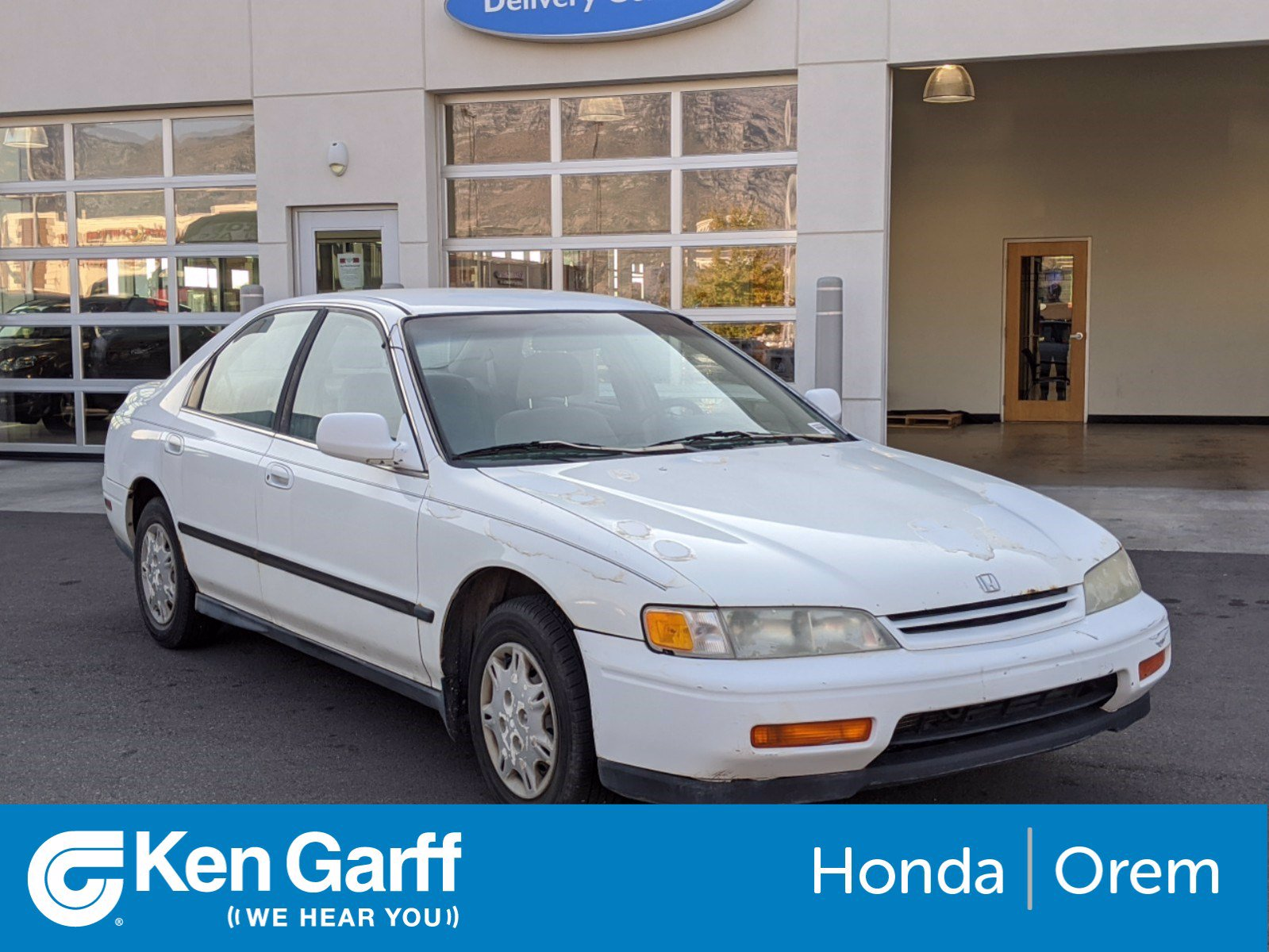 Pre-Owned 1995 Honda Accord Sdn 4DR SDN LX MT